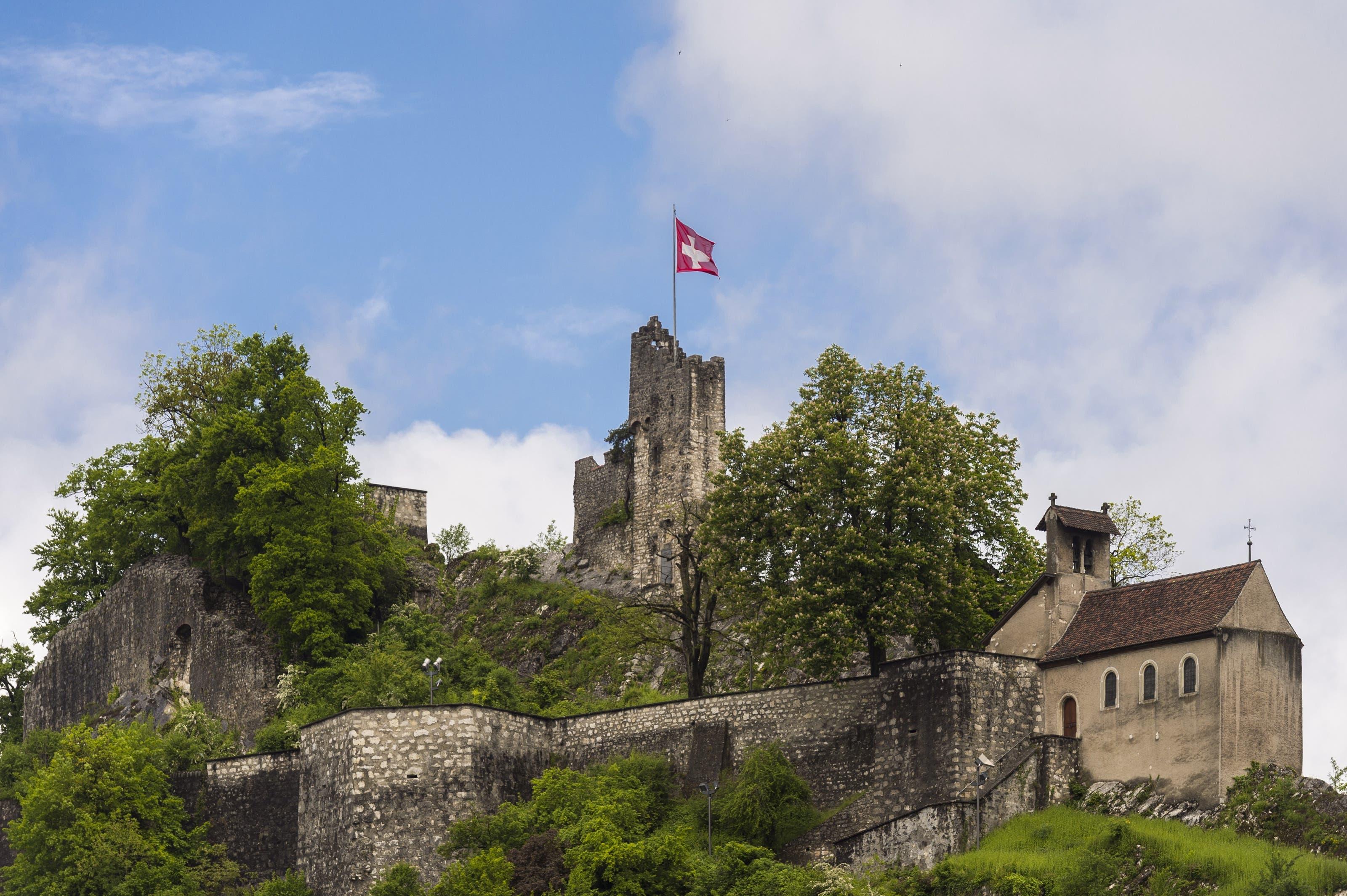 1712 wurde die Festung von den Bernern und den Zürchern zerstört.