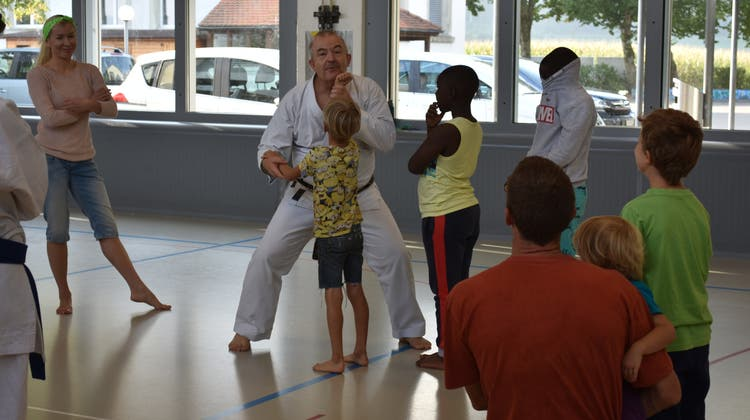 «Ein Schlag in den Bauch nützt nichts» – Hier lernen Kinder Selbstverteidigung