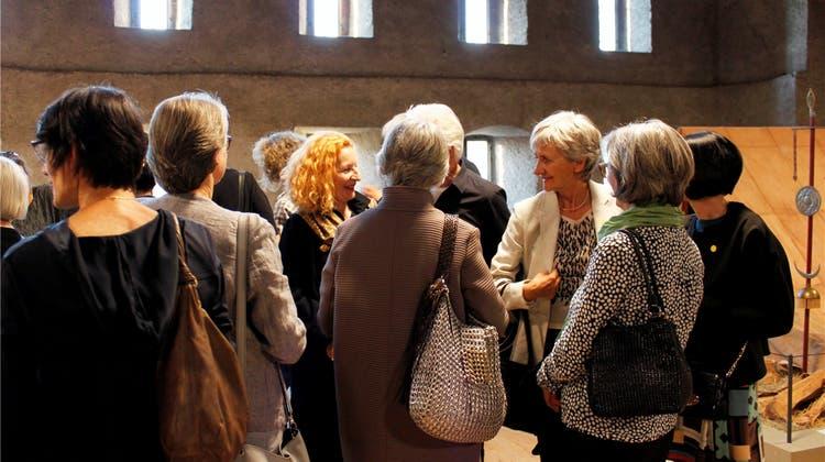 Kulturfreiwillige sind zu Gast bei Ikarus