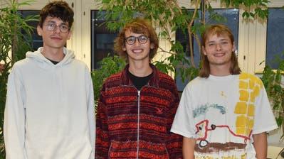 Drei der Initianten des Vereins Earthache, der am Samstag im Fabriggli gegründet wird: Tobias Giger aus Räfis, Amadeo Noser aus Buchs und Samuel Bachmann aus Grabs (von links). (Bild: Thomas Schwizer)