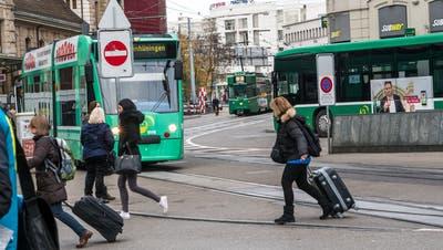 Centralbahnplatz: Zwanzig Meter Gleis sollen die gefährlichste Haltestelle der Schweiz entwirren