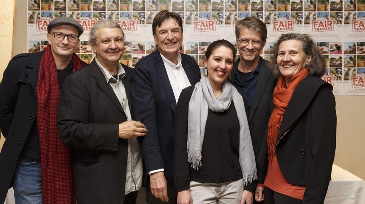 Schlange bis zur Strasse: An die Premiere von «Fair Traders» kam viel Solothurner Publikum