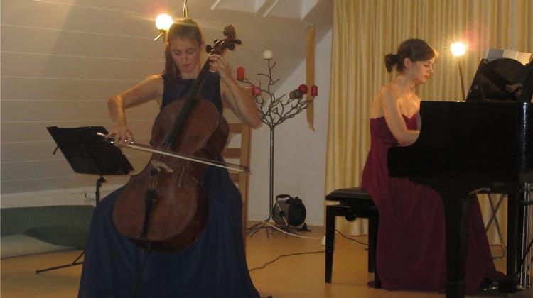 Harmonie im Ärztehaus – Duett aus Cello und Piano überzeugen