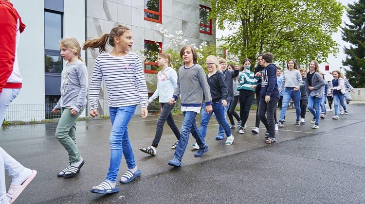 Keine Panik trotz Brand-Alarm: Urdorfer Schüler üben den Ernstfall