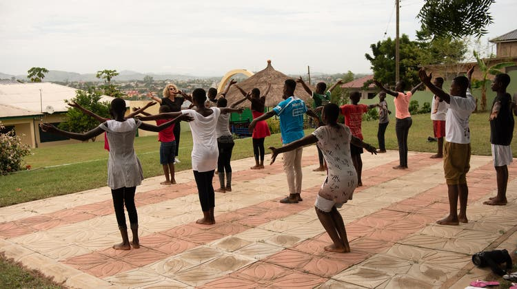 Tanz kennt keine Grenzen - Tanzprojekte Dance for Children für Chance for Children in Accra/Ghana