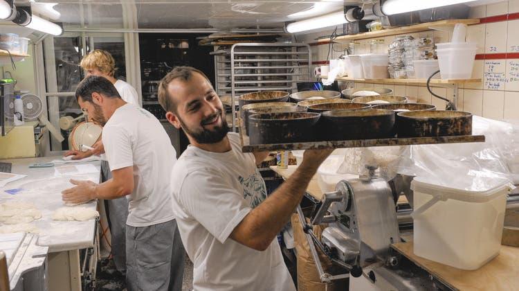 Französischer Charme in der Kleinbasler Bäckerei «Kult»: Vor Schichtbeginn gibts ein Feierabendbier