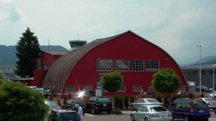 Langenbruck will einen historischen Hangar ins Dorf holen – doch die Umsetzung verzögert sich