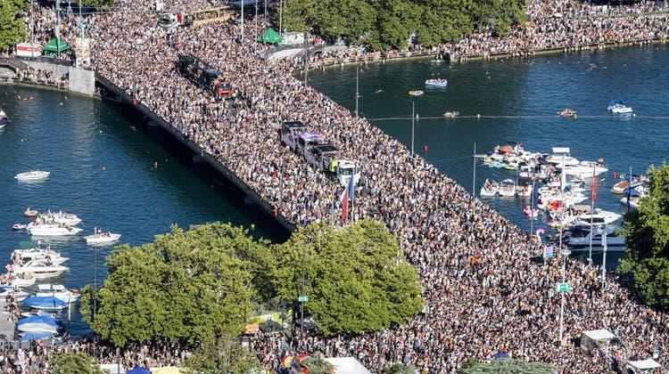 «Wir wurden überrannt»: Eine Million Raver tanzen ums Zürcher Seebecken