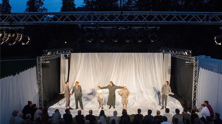 Kurtheater startet mit Shakespeare in die neue Saison
