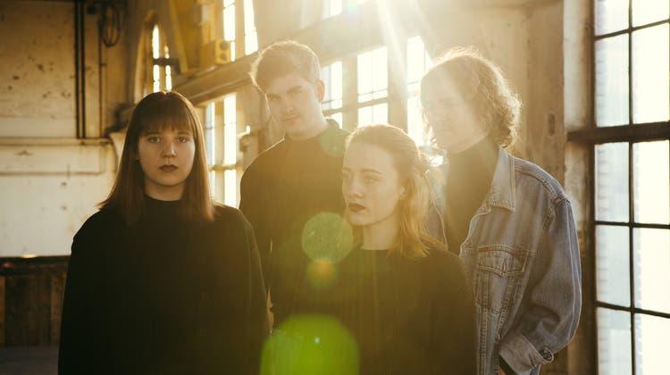 Indie-Pop-Band Ellas überrascht mit einem neuen Video