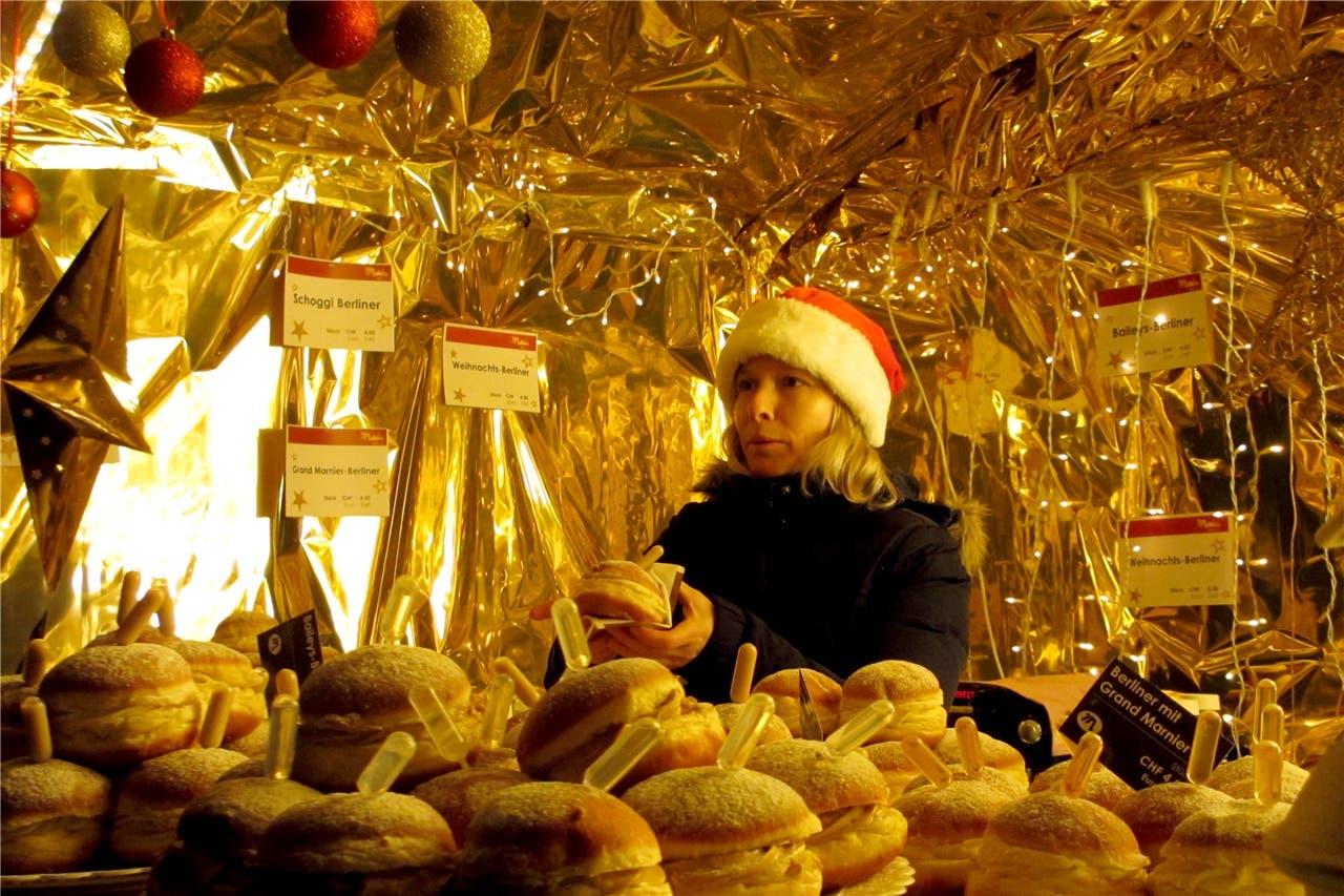 Altstadtweihnacht 2018 in Laufenburg Aus einigen Weihnachtshäuschen dufteten verführerisch süsse Leckereien.