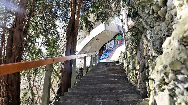 Stolperfalle Oelrain: Nun plant die Stadt vier Kandelaber – aber nicht alle freuen sich