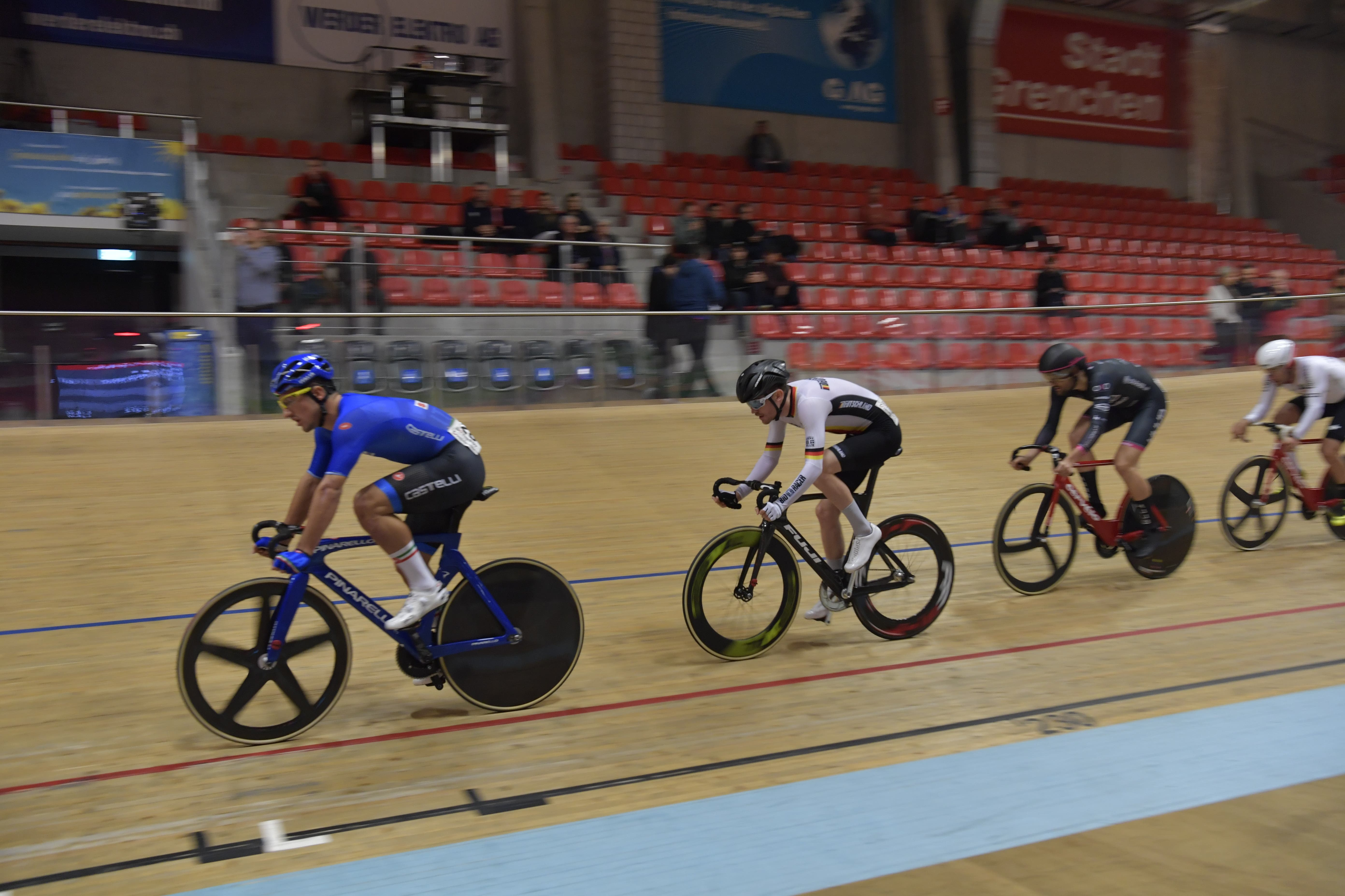Impressionen der Track Cycling Challenge im Velodrome Omnium CL 1 2. Tempo Race über 10 Kilometer Herren Elite