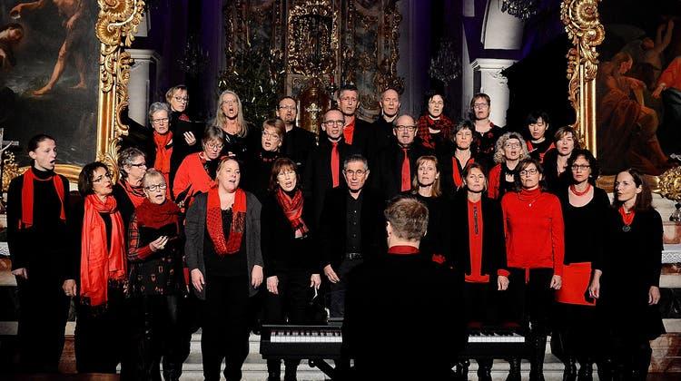 Weihnachtskonzert in Stiftskirche: Gemeinsam auf Fest eingestimmt