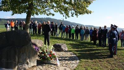 Geschichtsunterricht unter der Russenlinde: Erstmals waren Primarschüler an der Gedenkfeier dabei