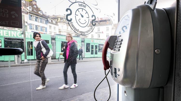 Ende einer Ära: Die wohl bekanntesten Basler Telefonkabinen sind bald Geschichte
