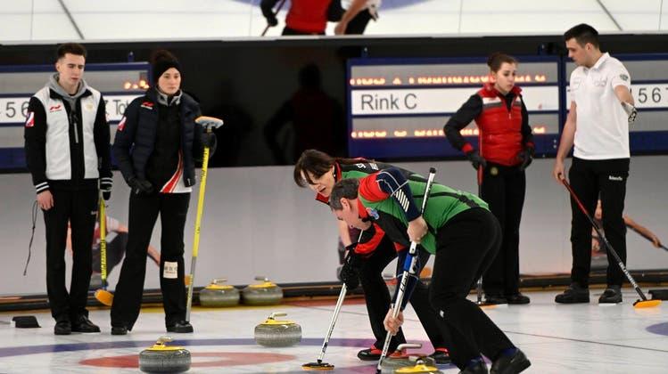 Ungarisches Curling-Duo brilliert auf Aarauer Eis