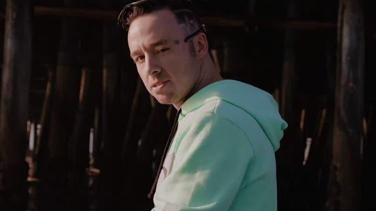 Kanadischer Rapper dreht riskanten Stunt für sein Musikvideo – und stürzt dabei in den Tod