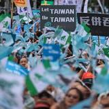 Zehntausende demonstrieren in Taiwan für Unabhängigkeit