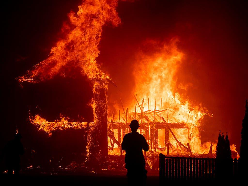Die ganze Stadt soll evakuiert werden: Flammeninferno im 27'000-Einwohner-Ort Paradise im Norden Kaliforniens.