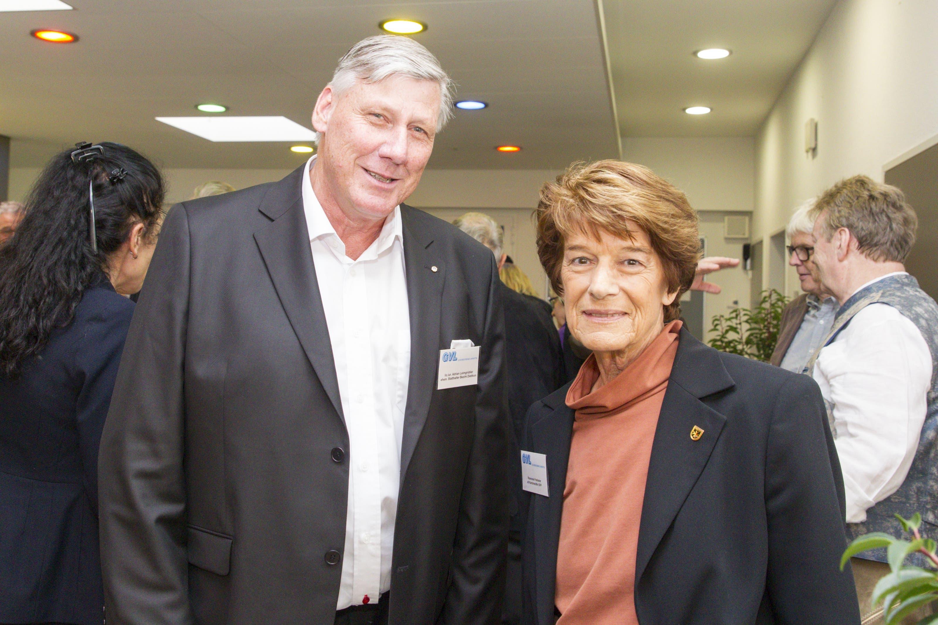 Langjährige Engagements fürs Limmattal: der Schlieremer alt Statthalter Adrian Leimgrübler und die Dietiker alt SVP-Kantonsrätin Rosmarie Frehsner.