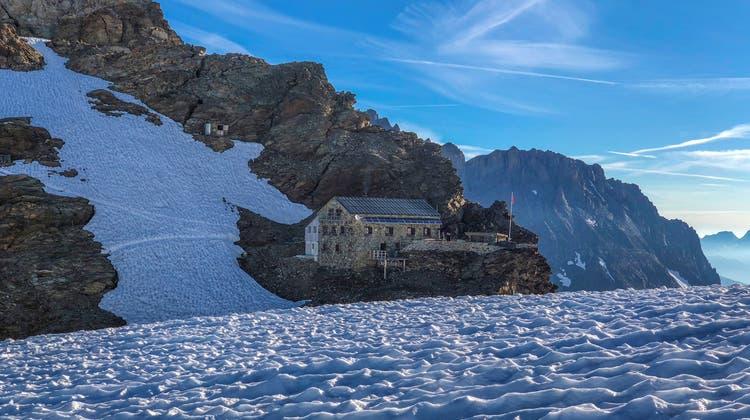 SAC Weissenstein weiht stilles Örtchen auf der Mutthornhütte ein