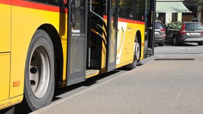 Die Busperrons beim Bahnhof Stans sind noch nicht behindertengerecht umgebaut. (Bild: Matthias Piazza (Stans, 8. Oktober 2020))