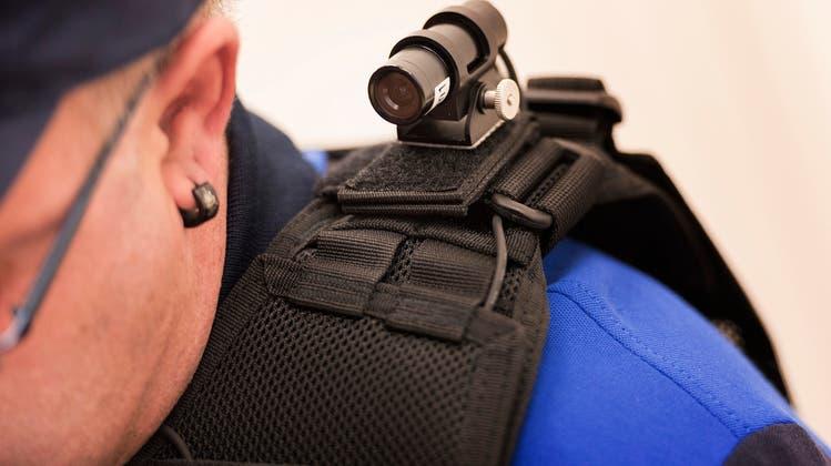Polizisten wollen keine Bodycams – der Widerstand erklärt in 3 Punkten