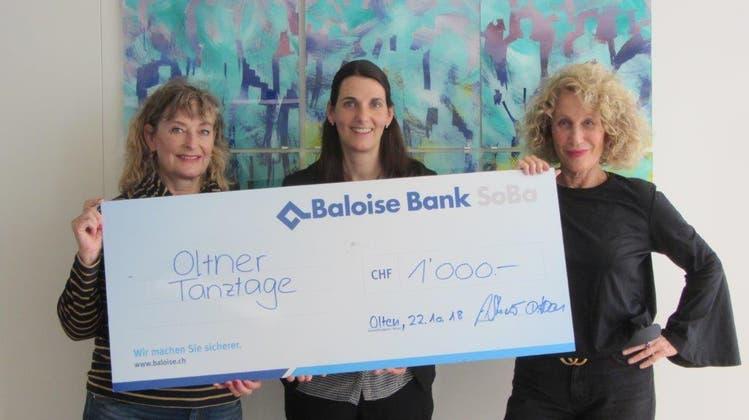1000-Franken-Check der Baloise Bank SoBa für Oltner Tanztage