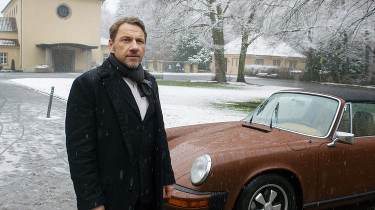 Kommissar Thorsten Lannert (Richy Müller) mit seinem Porsche 911 Targa. (Bild: SWR)