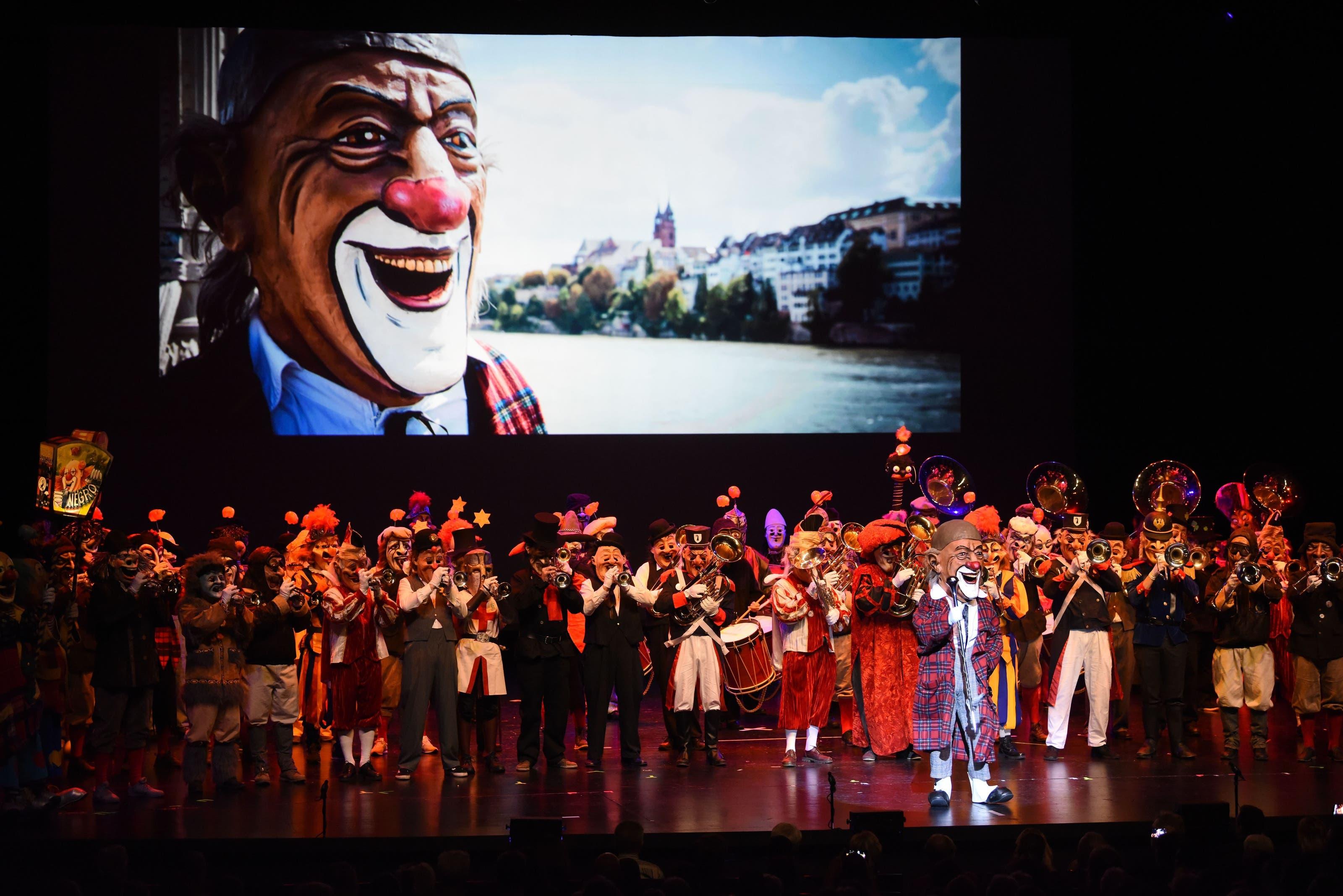 Die Basler Traditions-Gugge Negro-Rhygass an ihrem Auftritt beim Drummeli 2018.