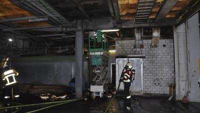 Brand im Pavatex-Werk: 50 Feuerwehrleute standen im Einsatz