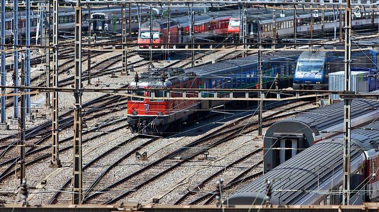 Schon wieder Unterbruch am Bahnhof Bern: Rangierlok reisst Fahrleitung nieder