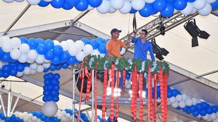 Schunkeln, trinken und essen – am Oktoberfest Tannenbaum werden über 2000 Gäste erwartet