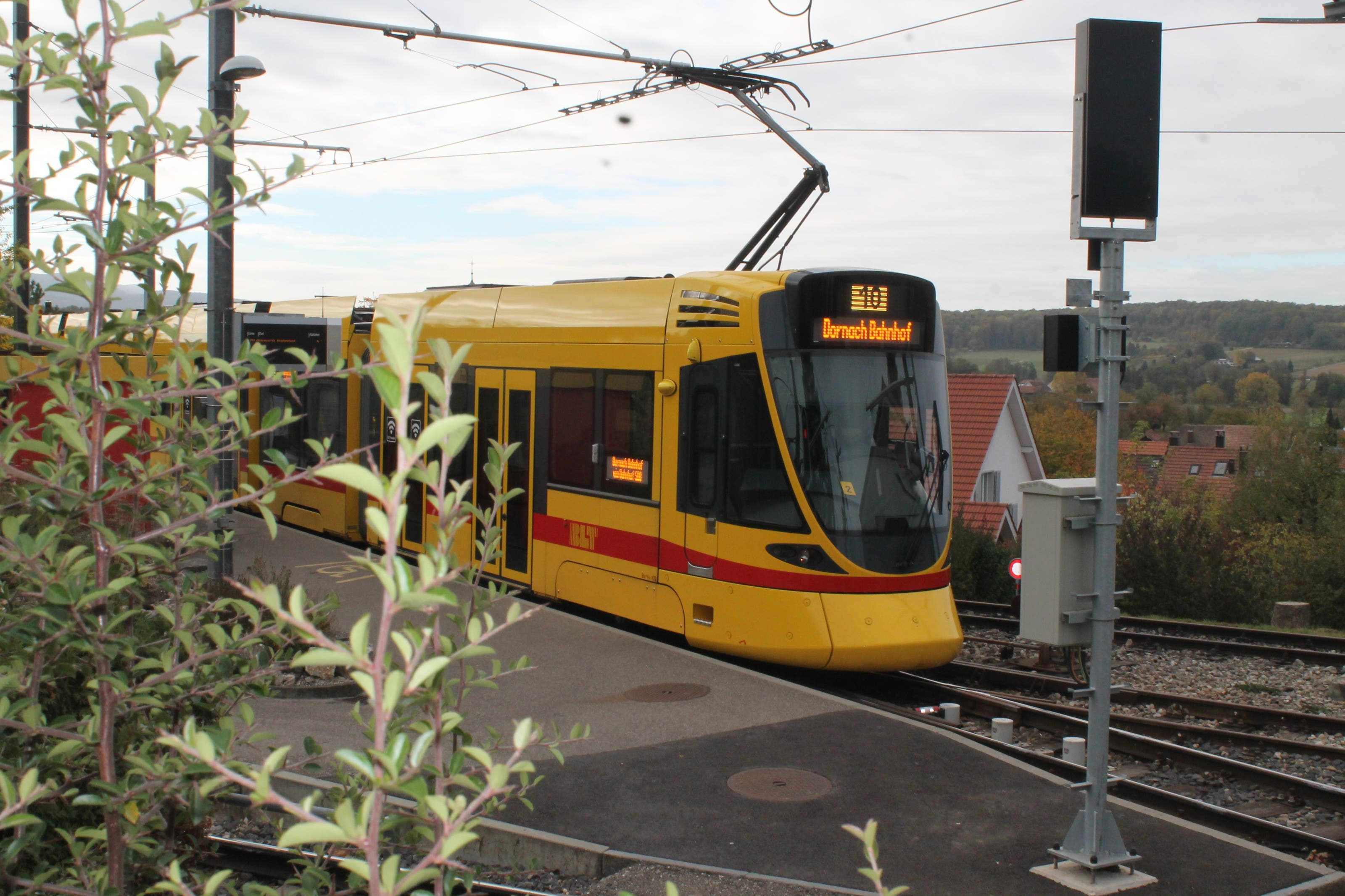 Das 10er-Tram verbindet Rodersdorf mit der Stadt Basel.