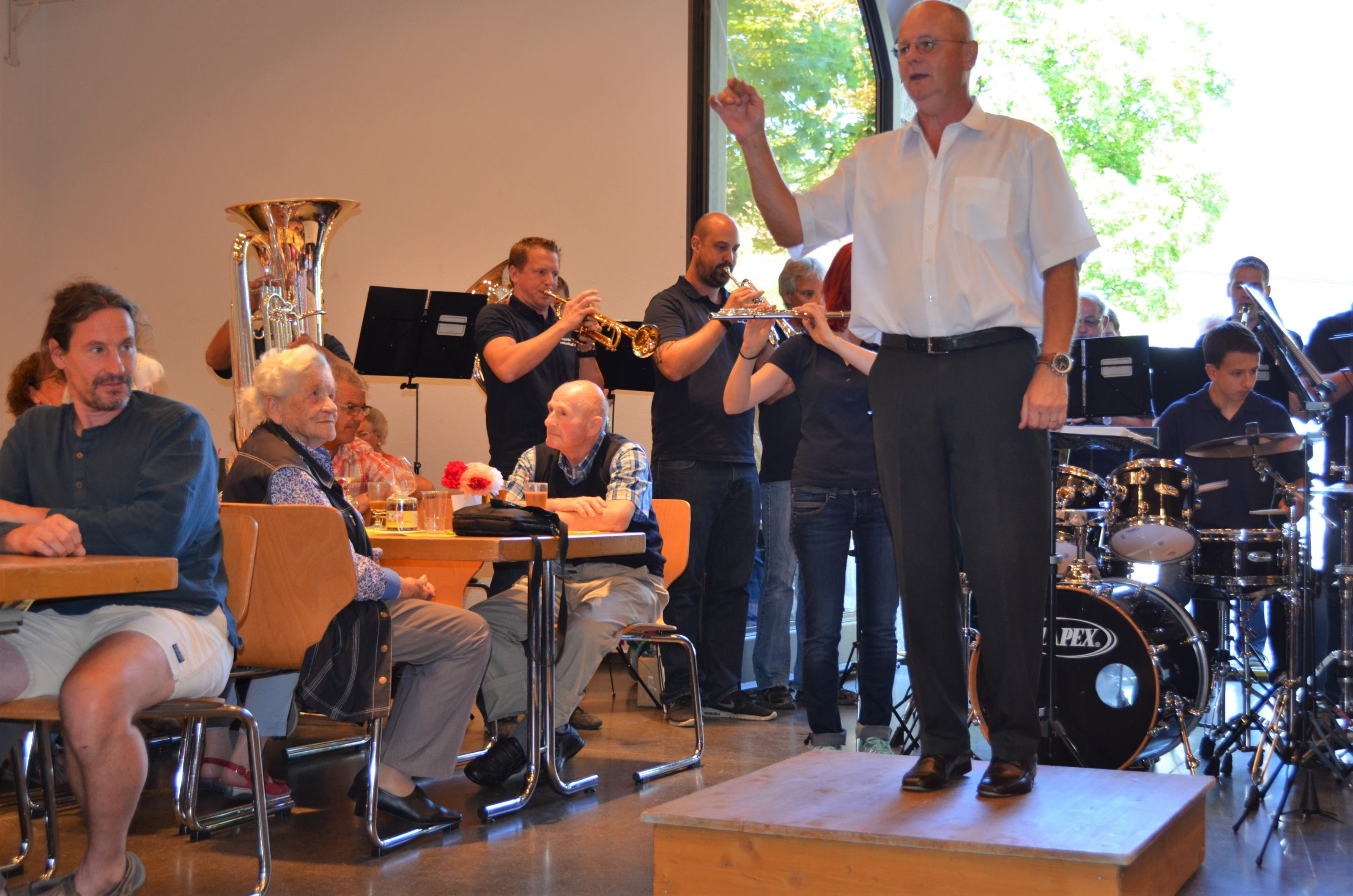 Jubilarenfeier mit Fischessen Harmoniemusik Rohrdorf Jubilarenfeier mit Fischessen Harmoniemusik Rohrdorf in der Zähnteschüür in Oberrohrdorf. Dirigent Roland Zaugg.