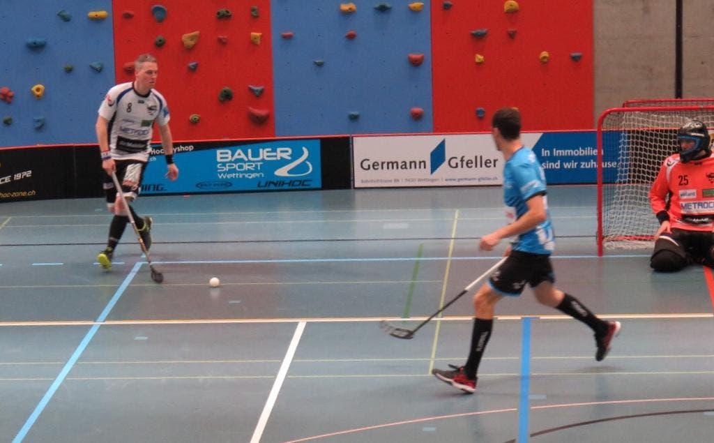 Bild: Andrin Döbeli Severin Mahni baut das Spiel gegen Gansingen auf.