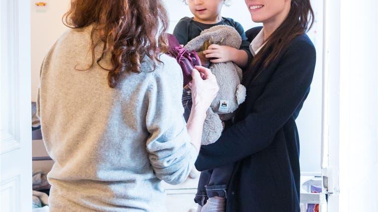 Immer mehr Basler Eltern engagieren eine Nanny – und zahlen dafür bis zu 5000 Franken