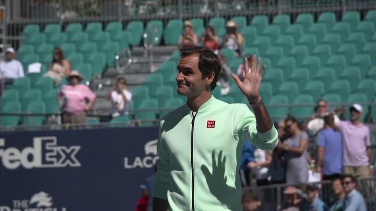 Von der Insel ins Football-Stadion: Roger Federer eröffnet Tennis-Court der Superlative