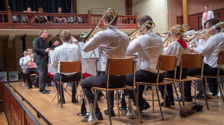 Lernfähige Brass-Musik-Jugend beim Abschlusskonzert im Solothurner Konzertsaal