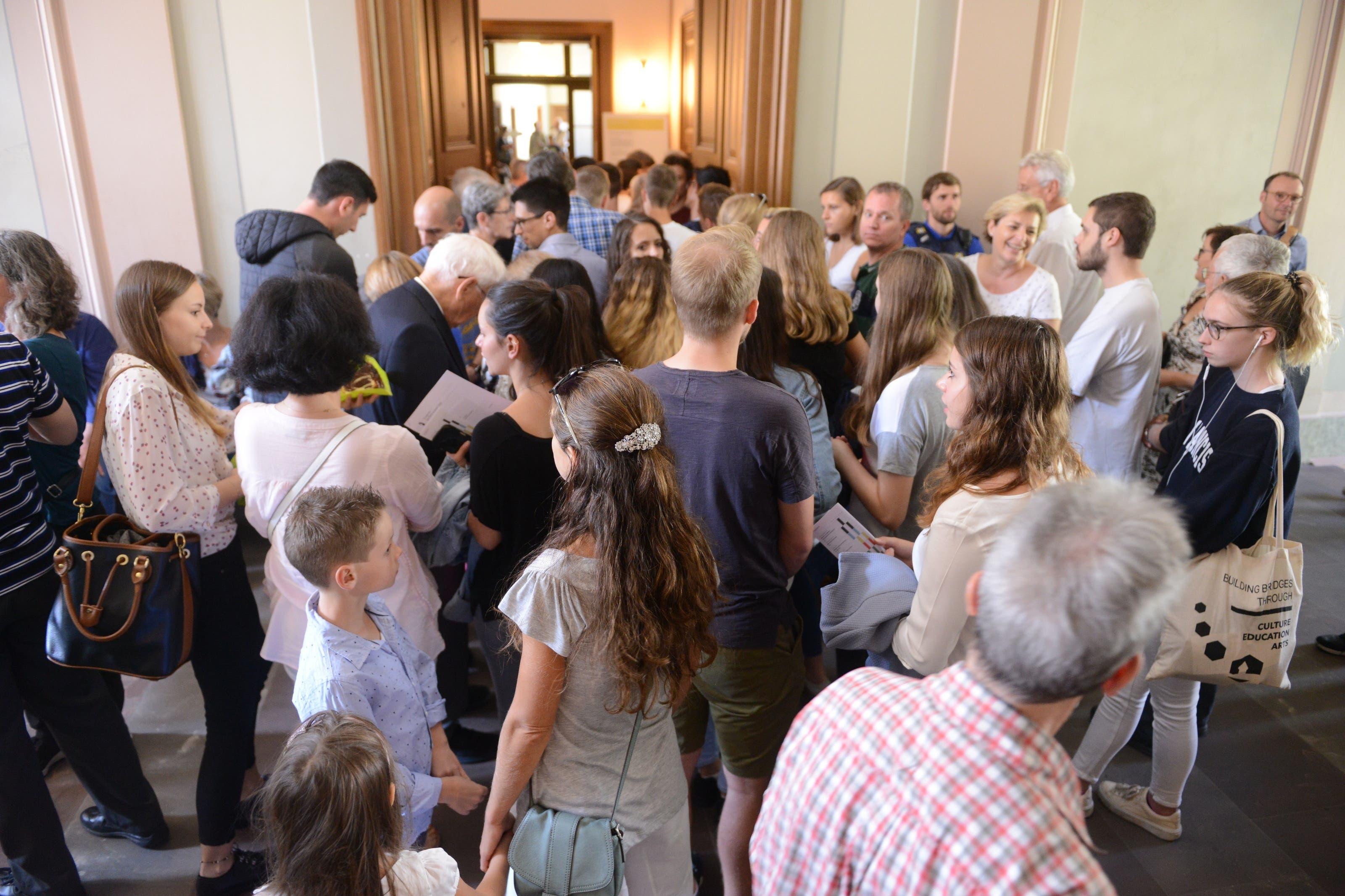 Gegen tausend Interessierte besuchten das Gerichtsgebäude an der Bäumleingasse