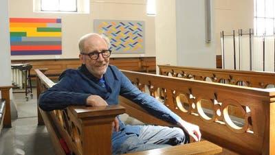 Eines seiner Bilder hängt über dem Altar: René Gubelmann erobert mit seiner Kunst die Kirche