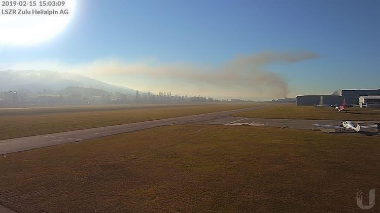 Brand in Strukturstanzwerk ausgebrochen – Feuerwehreinsatz im Gang