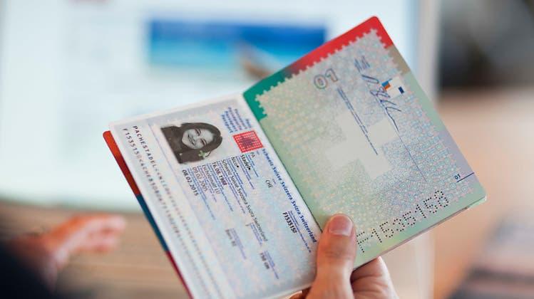 Erleichterte Einbürgerung: «Wir brauchen junge Menschen» – neues Gesetz noch immer zu restriktiv