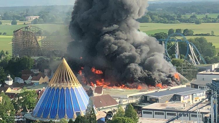 Verheerender Brand: Schaden im Europapark ist im zweistelligen Millionenbereich