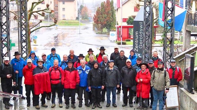 Wintermarsch der Männerriege Bremgarten auf den Altberg