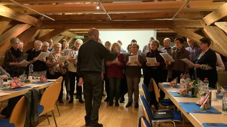 Kirchenchor Oberbuchsiten - Präsidentin Pia Kreuzer leitete souverän durch ihre erste GV