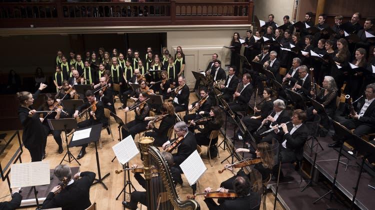 «Französische Weihnacht»: Das Sinfonie Orchester und der Mädchenchor präsentieren eine kluge Aufführung