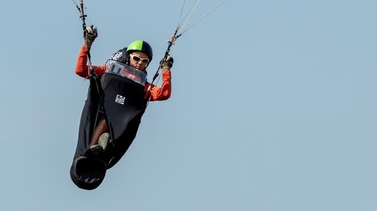 505 Meter über den Wolken: Gleitschirmflieger fliegt zum Weltrekord