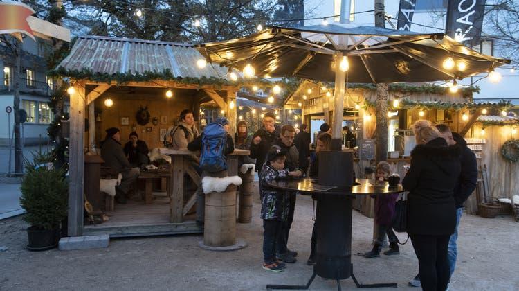 Die Stadt im Weihnachtsrausch: Das «Badener Wunderdorf» feiert Premiere